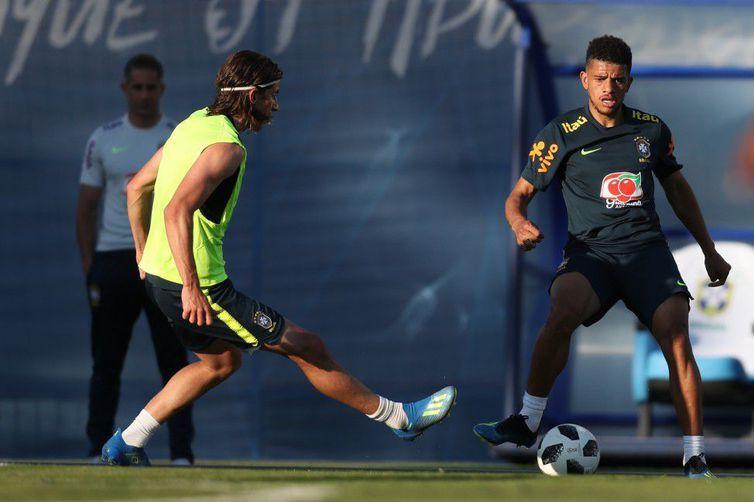 Seleção brasileira começa a preparação para enfrentar a Costa Rica
