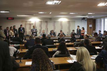 Instalação de comissão para analisar Medidas Provisórias (MPs), editadas pelo governo, do acordo com caminhoneiros.