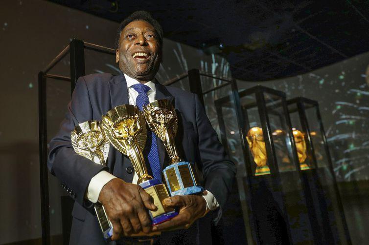 Com três títulos, Pelé é o maior ganhador de Copa do Mundo