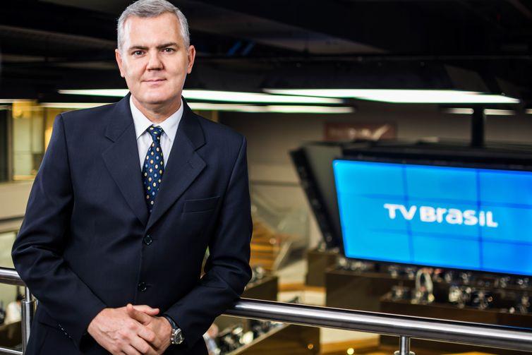 O programa Cenário Econômico, da TV Brasil, é comandando pelo jornalista Adalberto Piotto - Divulgação/TV Brasil