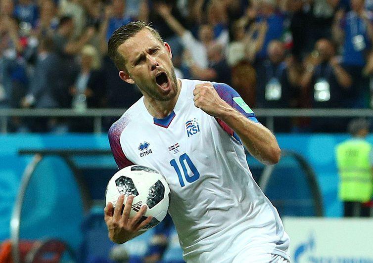 Copa 2018: Islândia e Croácia. Comemorção do primeiro gol da Islândia.