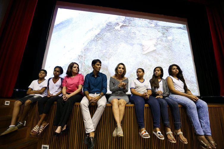 """Professores e alunos vencedores da mostra """"FICA Atitude"""" falam sobre o filme premiado."""