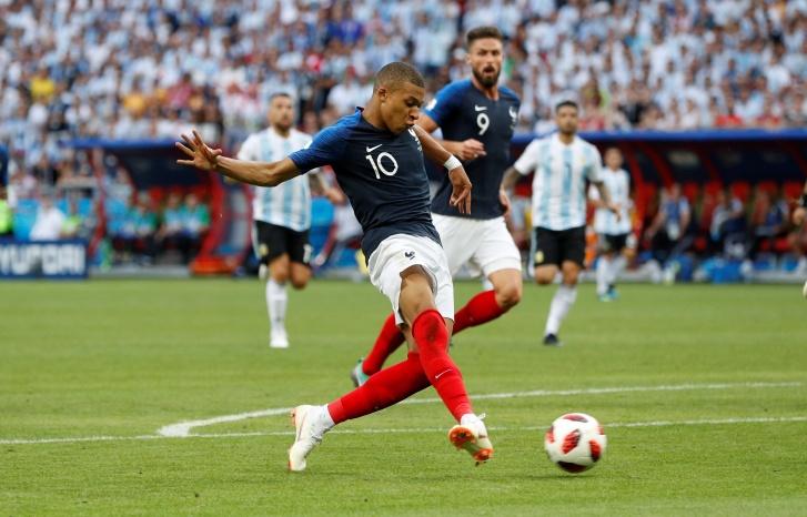 França faz 4 X 2 na Argentina