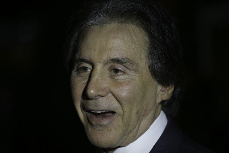 O presidente do Senado, Eunício Oliveira, fala à imprensa sobre a pauta de votação da Casa.