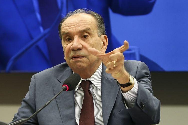 O ministro das Relações Exteriores, Aloysio Nunes Ferreira, participa de audiência pública na Comissão de Relações Exteriores e Defesa Nacional da Câmara.