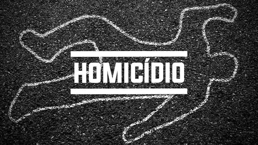 Homem mata mulher com pedradas, chama a polícia e confessa crime