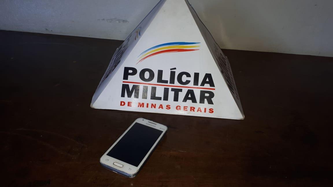 Jovem é perseguida e tem o celular roubado em Patrocínio-MG