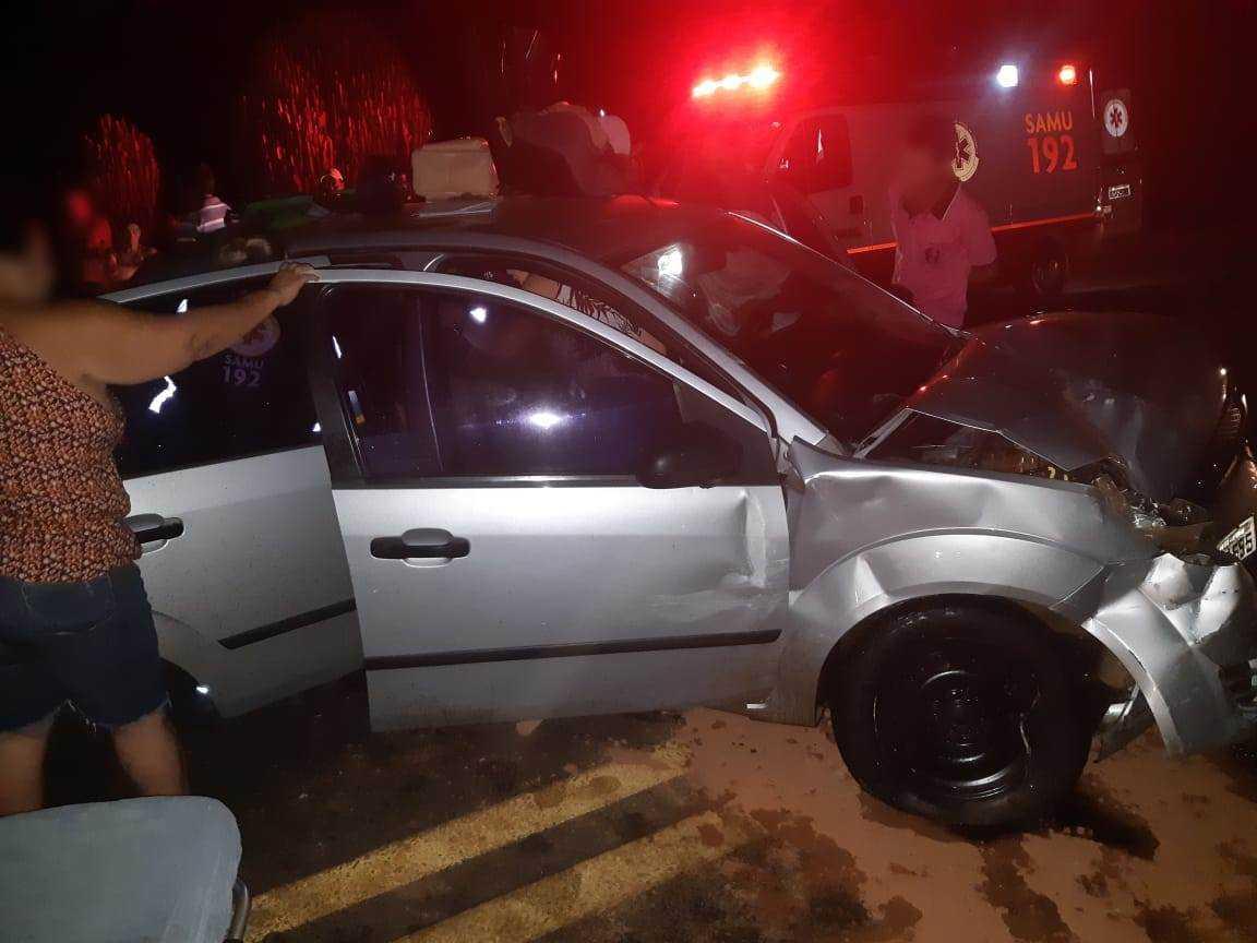Cinco feridos em acidente na BR-365 em Monte Carmelo