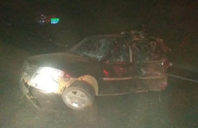 Colisão entre carreta e carro deixa duas vítimas na BR-146