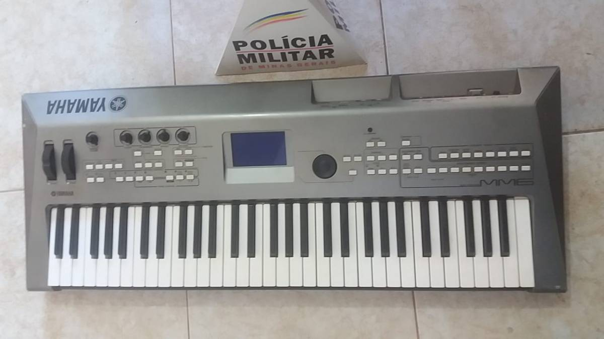 PM apreende drogas e teclado furtado em Coromandel