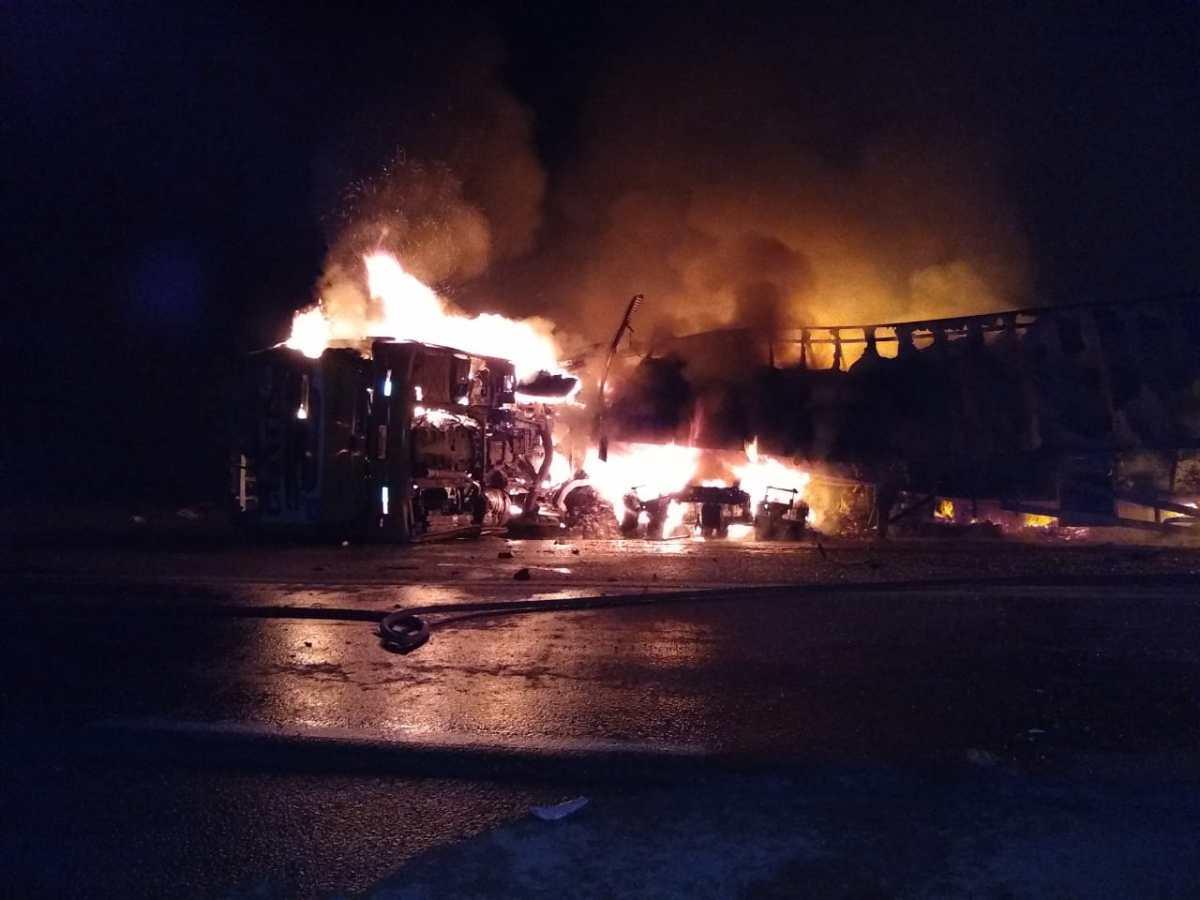 Sobe o número de mortos em acidente com ônibus na BR-365
