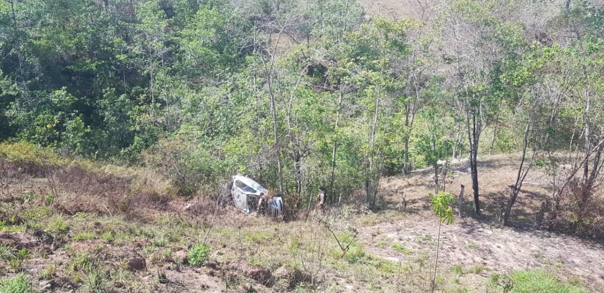 Acidente deixa dois feridos na MG-190 em Monte Carmelo (1)