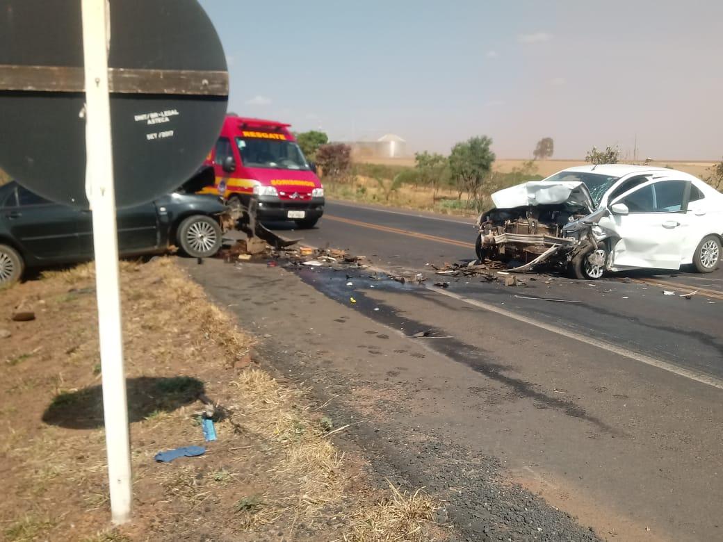 Dois mortos em acidente na BR-365, perto de Monte Carmelo