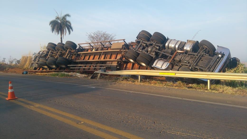 Motorista morre em acidente na BR-354 em Rio Paranaíba (4)