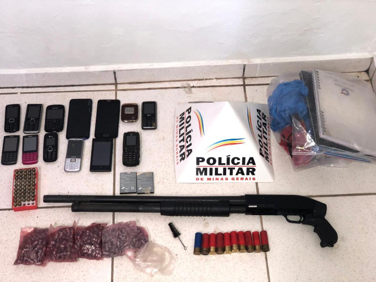 Operação Nêmesis Armas, veículos, dinheiro e documentos são apreendidos