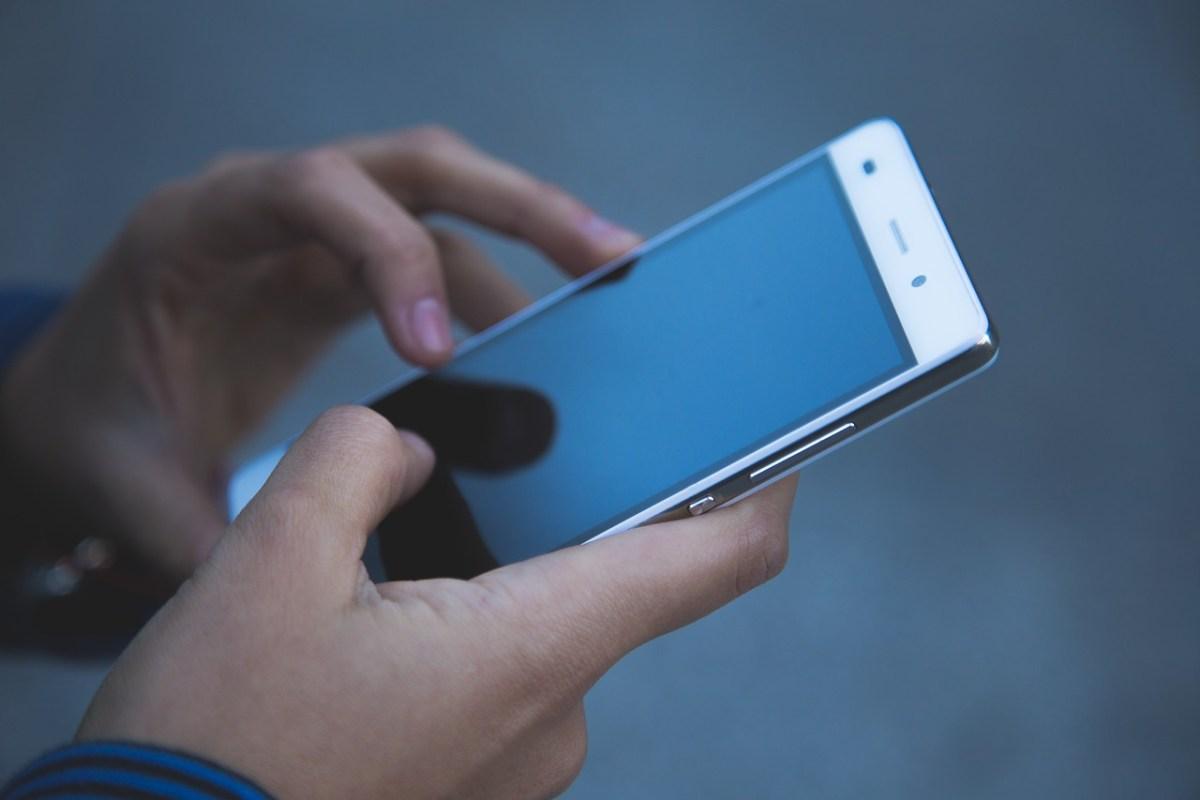 Clientes de celulares pré-pago devem atualizar cadastro até 16/11