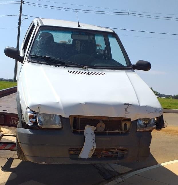 Carro furtado é encontrado danificado em Patrocínio-MG
