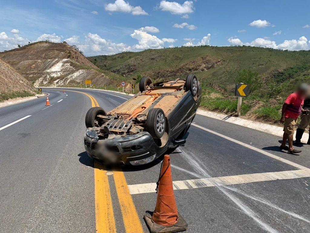 Motorista sobrevive a acidente na curva da morte