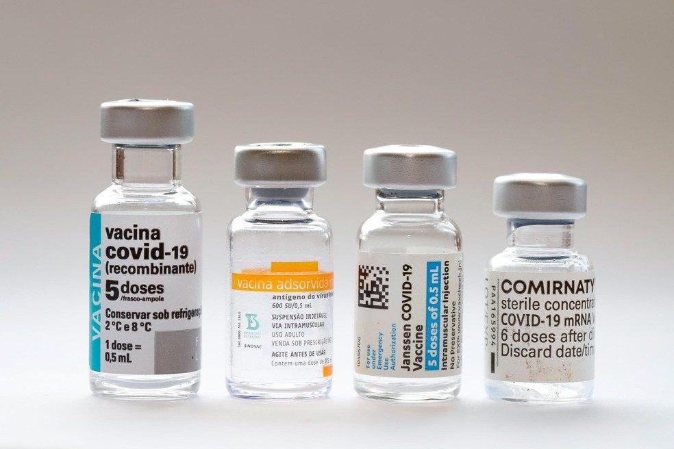 frascos de vacina contra a covid-19