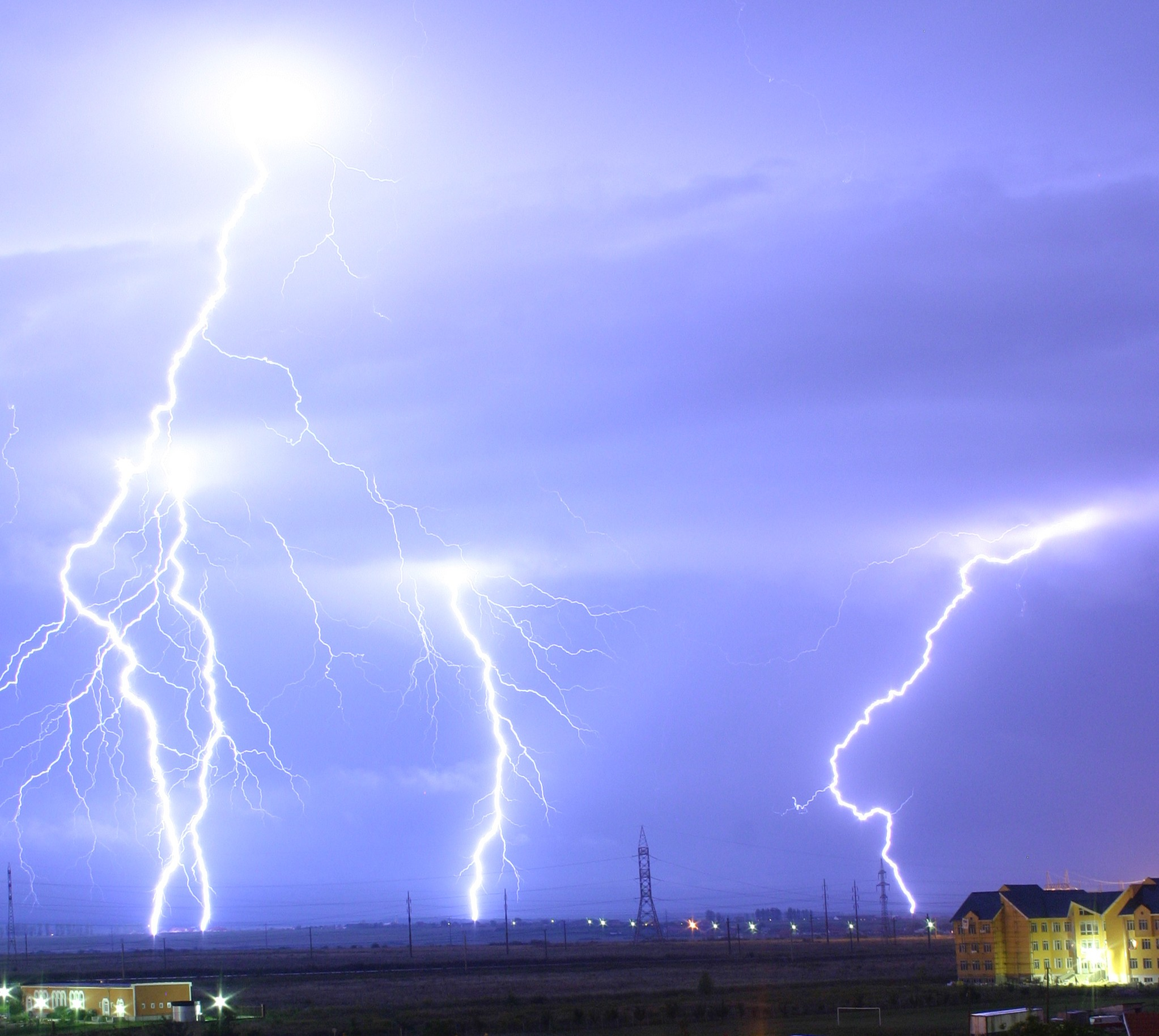 lightning_over_oradea_romania_21.jpg