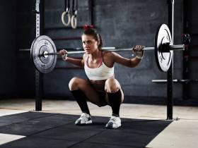 Osteopenie & Osteoporose vorbeugen: Wie oft solltest du trainieren?   Studien Review