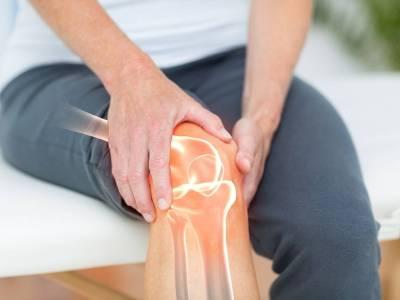 Von Knieschmerzen geplagt? Curcumin als nebenwirkungsarme Ibuprofen Alternative | Studien Review
