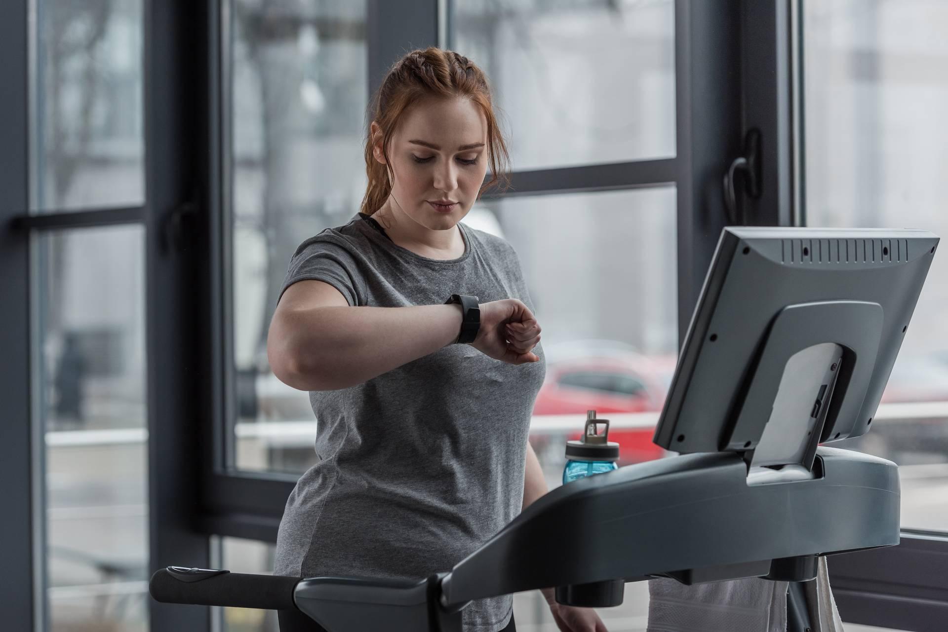Smartphone Apps & Activity Tracker zur Steigerung der körperlichen Aktivität: Wie effektiv sind sie wirklich?