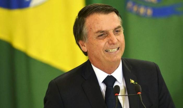 Presidente Bolsonaro confirma boas notícias aos  caminhoneiros do Brasil. Assista o vídeo!