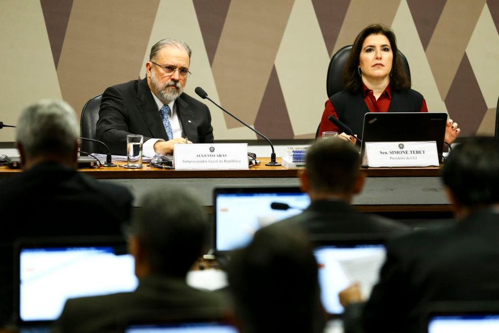 CCJ do Senado aprova indicação de Augusto Aras para PGR, por 23 votos a 3