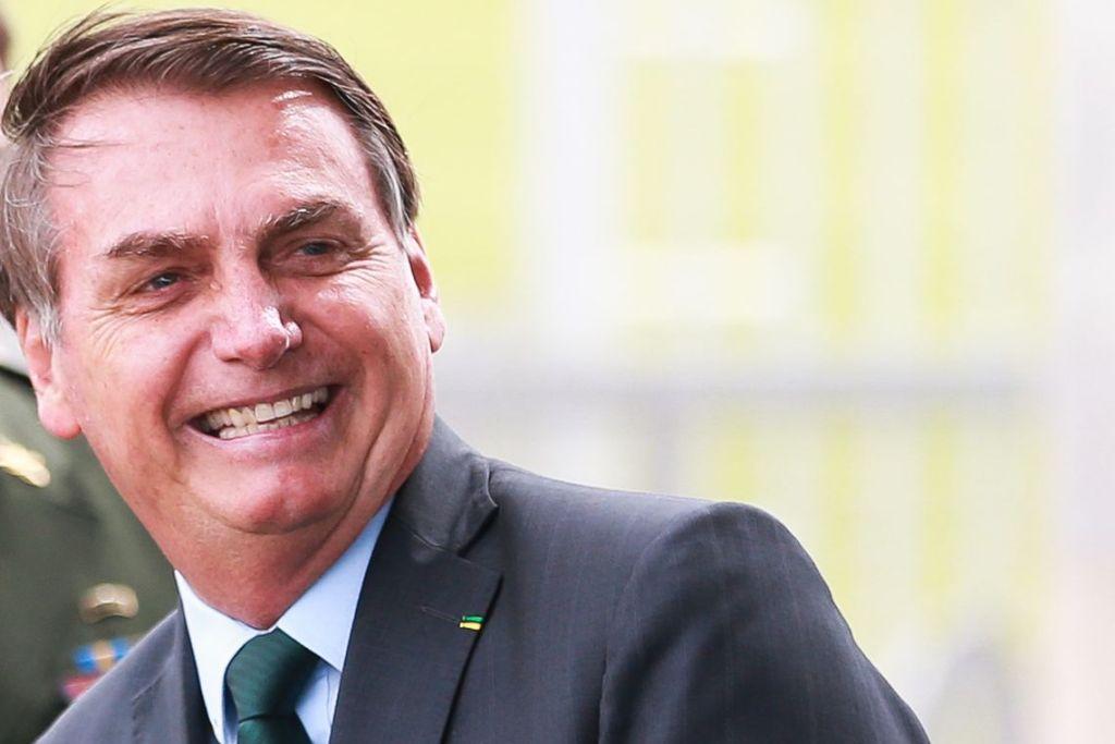 Câmara aprova ajuda de R$ 600 a informais determinada por Bolsonaro