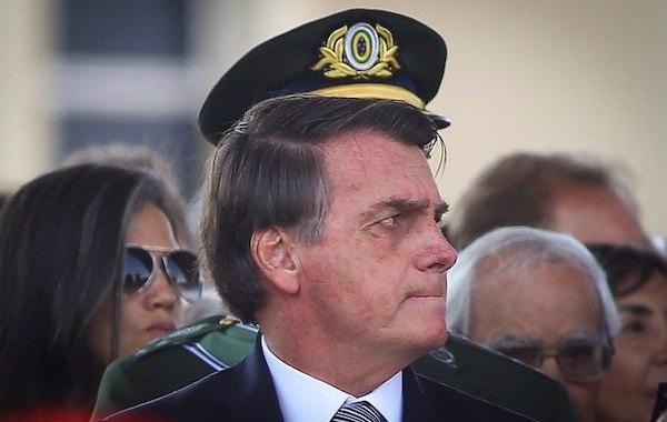 'Decreto com incisos do artigo 5º da Constituição está pronto. Nosso direito de ir e vir é sagrado',diz Bolsonaro