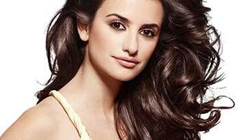 penelope in another loreal ad with fake hair we wonder 1 - Banho de Brilho com Richesse Clear