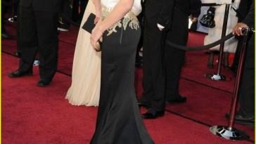sandra bullock oscars 2012 red carpet 01 683x1024 - Os 5 piores looks do Oscar 2012