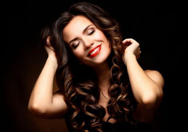 iStock 516068188 621x436 - Spray de Brilho para Cabelo Como age e como usar
