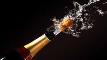 95ea238efa69400211c8511bffd51fe1 900 0 - Remédio luxuoso: champanhe ajuda a ativar a memória
