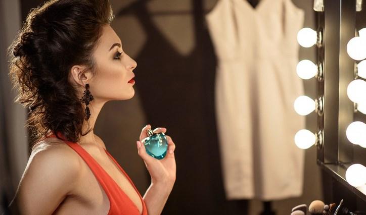iStock 606641768 - Como fazer o Perfume durar mais no Corpo?