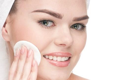 mascara dentro img principal img principal - Gomagem: Tratamento estético para o brilho da pele