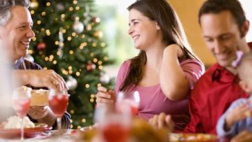 regras de etiqueta nas festas de natal e ano novo - Presenteie no Natal, sem gastar muito!