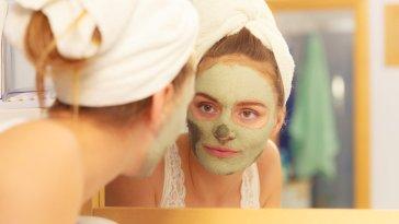 iStock 99938397 SMALL - Quais são os benefícios da máscara de argila?