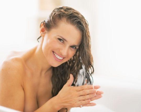 iStock 000035477184 Small - Como cuidar dos cabelos durante o verão: Dicas