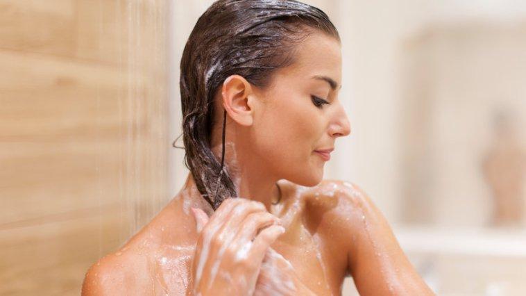 iStock 000044376990 Small - Tipos de Shampoo - Qual é seu tipo?