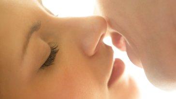 iStock 000022201613 Small - Os segredos que um beijo esconde!