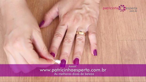 IMG 00035 621x349 - Truque para não borrar as unhas