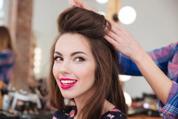 iStock 523772896 621x414 - Penteados para cabelos finos