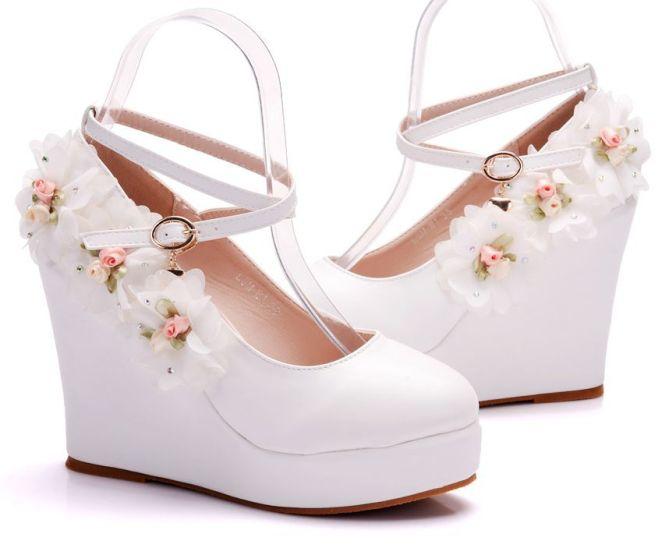 2019 nova Cunhas Bombas de Casamento Branco Doce Flor Do La o Branco P rola Sapatos 3 - Salto Wedge: Looks Inspirações, Como usar