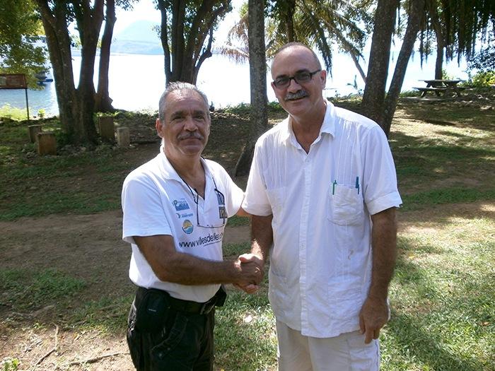 Avec Lennox Honychurch, Historien et fondateur de l'Association des musées des Caraïbes