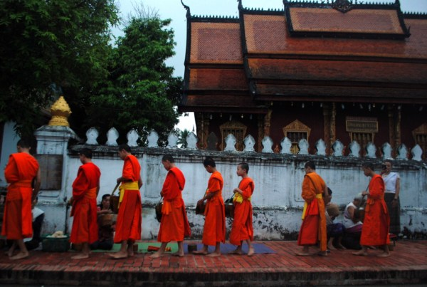 The morning alms ceremony in Luang Prabang (photo by Patrick Colgan, 2014)