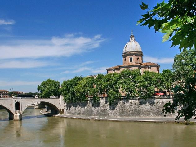 San Giovanni de' Fiorentini, along the Tiber river.