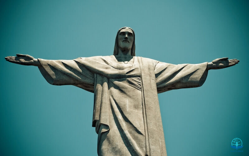 I know my Redeemer lives image showing a stature of Jesus