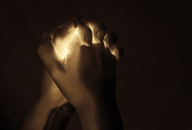 how long to pray showing two hands in a prayerful mode